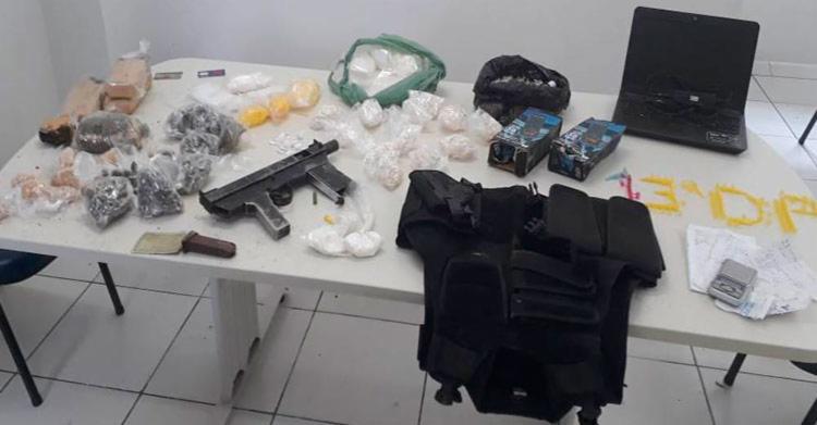 Material apreendido pela polícia com os suspeitos - Foto: Divulgação   Polícia Civil