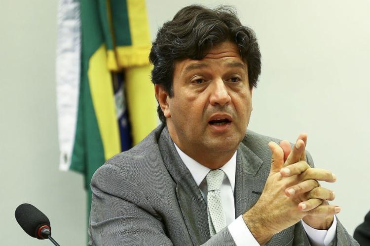 """Luiz Henrique Mandetta informou que a doença está """"claramente"""" se deslocando do Sudeste e do Centro-Oeste para o Nordeste - Foto: Marcelo Camargo l Agência Brasil"""