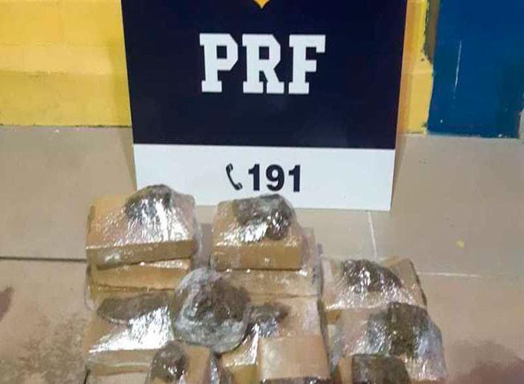 A droga foi encontrada distribuída em 12 tabletes - Foto: Divulgação   PRF