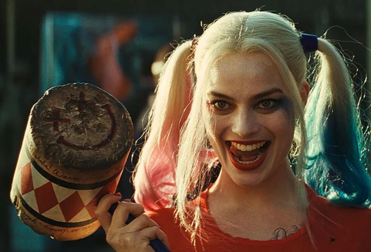 Margot Robbie como Arlequina em