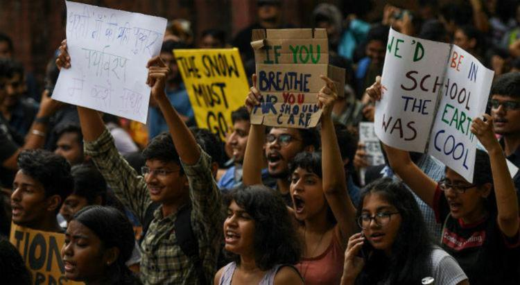 Objetivo é exigir ações concretas contra as mudanças climáticas - Foto: Money Sharma | AFP