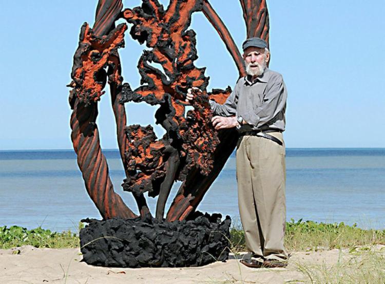 Frans Krajcberg foi um pintor, escultor, gravador, fotógrafo e artista plástico nascido na Polônia e naturalizado brasileiro - Foto: Divulgação | Ipac