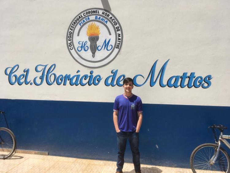 O estudante Homero Silva Macedo, 17, 2º ano, do Colégio Estadual Coronel Horácio de Matos, em Piatã, é medalha de ouro.. - Foto: Divulgação
