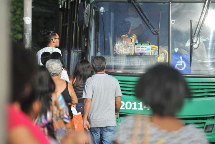 Rodoviários retomaram operação no bairro no início da tarde desta terça - Foto: Felipe Iruatã | Ag. A TARDE