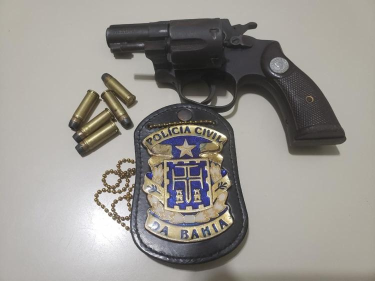 Arma apreendida na ação da polícia