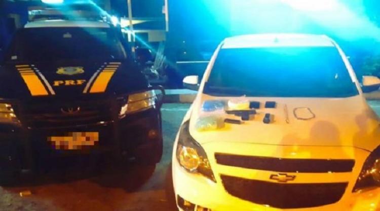 Suspeito e todo material apreendido foram levados para a polícia judiciária local - Foto: Divulgação | PRF