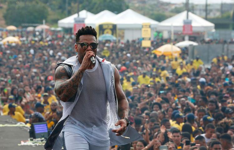 Atual detentora da música do Carnaval, o Parangolé foi uma das atrações do evento - Foto: Rafael Martins | Ag. A TARDE