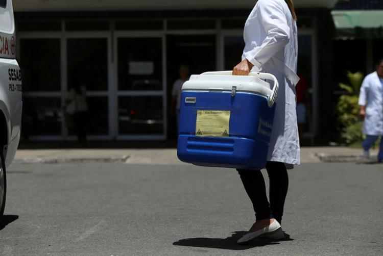 Na Bahia, 1.005 pessoas esperam por um rim; 639, por córneas; e seis, por um fígado - Foto: Joá Souza | Ag. A TARDE