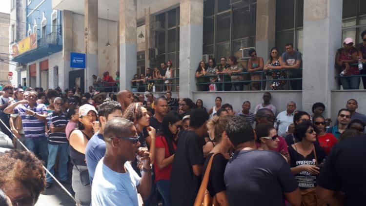 Trabalhadores estão insatisfeitos com a falta de reajuste salarial - Foto: Divulgação | Sindseps