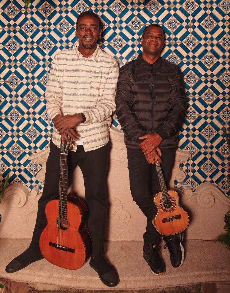 A dupla está viajando pelo Brasil apresentando um repertório de mais de 20 anos - Foto: Thalles Garbin Leamari l Divulgação