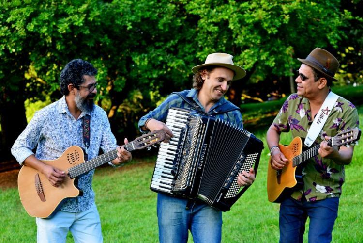 Carlos Villela, Celo Costa e Maviael Melo fazem show no Café-Teatro Rubi - Foto: Divulgação