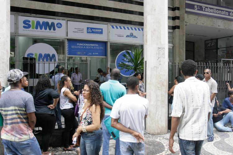 Os interessados deverão ir na sede do SIMM-Comércio, ou em uma das Prefeituras-Bairro - Foto: Luciano da Matta | Ag. A TARDE
