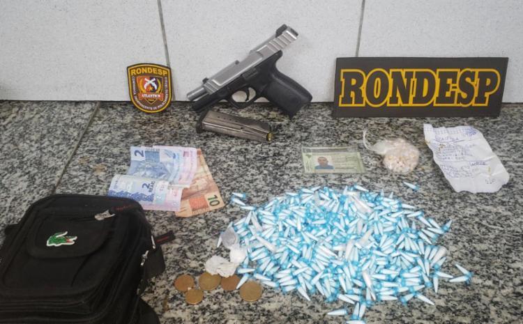 Foram apreendidos drogas e pistola no Calabar - Foto: Divulgação | SSP