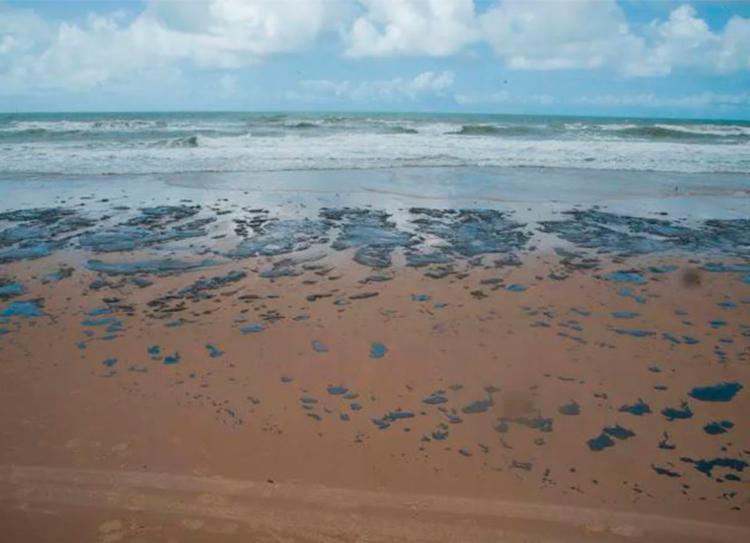 Substância química já se espalhou por pelo menos 45 praias e 99 pontos no Nordeste - Foto: Adema | Governo de Sergipe
