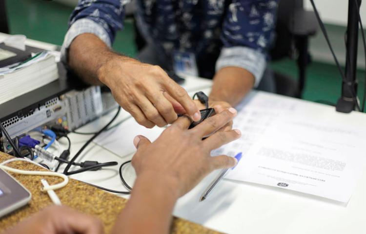 O eleitor que não fizer o recadastramento biométrico poderá ter o título cancelado - Foto: Wallace Cardozo | Divulgação