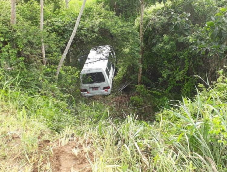 Durante acidente, alguns passageiros não conseguiram sair - Foto: Reprodução   Blog do Valente
