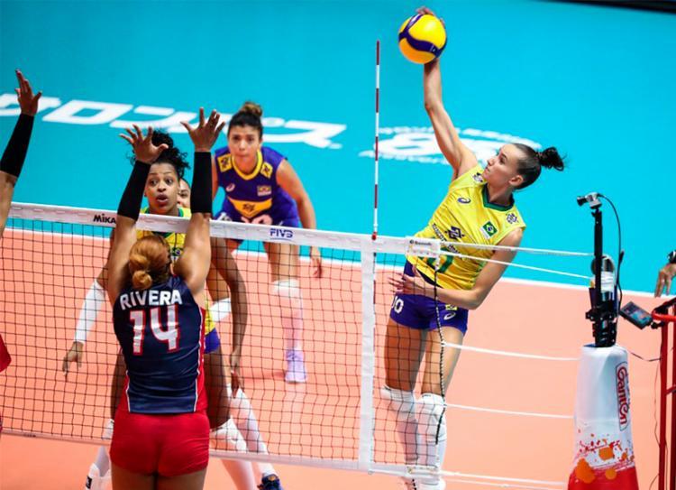 Brasil bateu a República Dominicana por 3 sets a 1 - Foto: Divulgação   FIVB