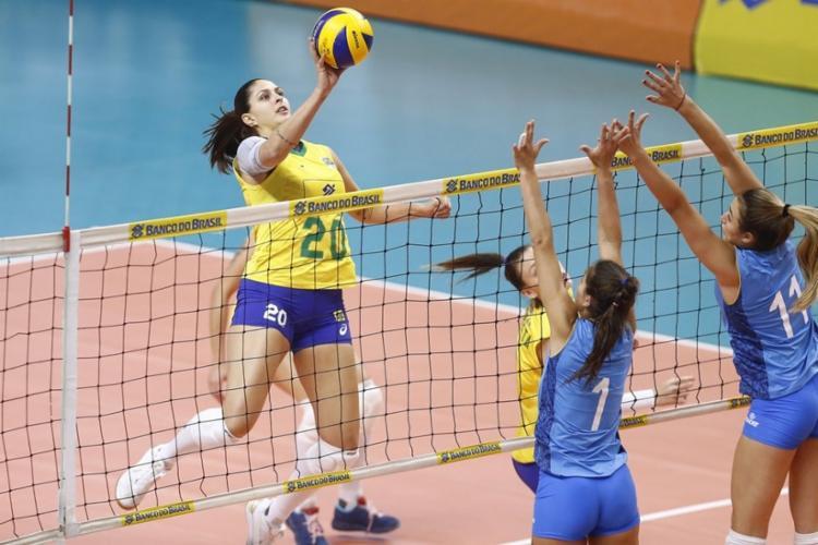 Bicampeão olímpico no vôlei feminino, o Brasil nunca conseguiu conquistar o título deste torneio - Foto: Gaspar Nóbrega | Inovafoto | CBV