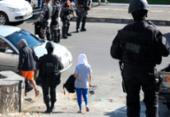 Policial que alegou ter viatura atacada foi um dos conduzidos em operação na Aspra | Foto: Alberto Maraux | SSP-BA