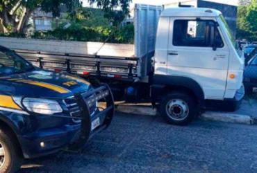 Caminhão de carga adulterado é apreendido na BR 324 em Feira de Santana | Divulgação | PRF