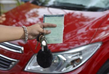 Mais de 200 mil veículos são notificados por atraso no pagamento do IPVA | Shirley Stolze | Ag A TARDE