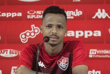 Ruim para as duas equipes, diz Romisson sobre gramado da Arena Pantanal | Letícia Martins | EC Vitória