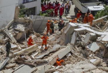 Bombeiros confirmam terceira morte após desabamento em Fortaleza   Rodrigo Patrocínio   AFP