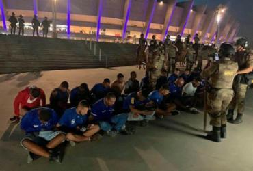 Polícia de MG prende 35 torcedores por invasão em jogo do Cruzeiro no Mineirão | Reprodução | TV Globo