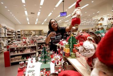 Lojistas iniciam os preparativos para as vendas de fim de ano | Adilton Venegeroles | Ag. A TARDE
