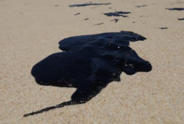 Sema realiza reunião de urgência sobre manchas de óleo nas praias de Salvador | Adilton Venegeroles | Ag. A TARDE