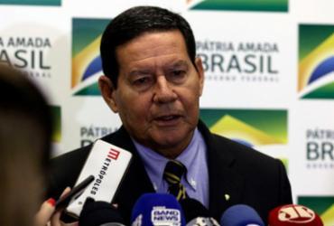 Mourão: Exército vai reforçar ações em praias atingidas por óleo | Valter Campanato | Agência Brasil