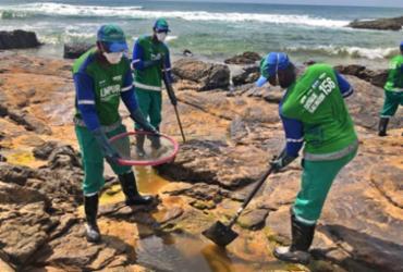 Mais de 104 toneladas de óleo são retiradas das praias | Divulgação | SECOM