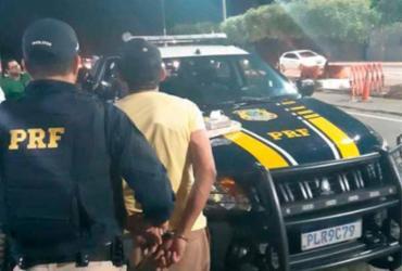 Homem é preso em flagrante com drogas em veículo na BR-242 | Divulgação | PRF