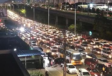 Carreata de movimento grevista complica trânsito em Salvador | Reprodução