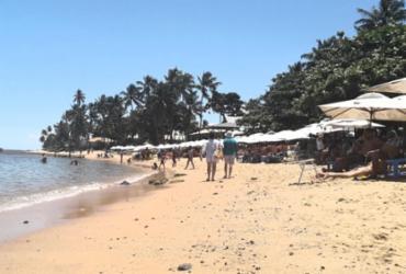 Limpeza das praias garante turismo normal no fim de semana em Mata de São João