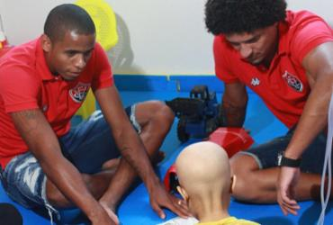 Hospital Martagão Gesteira recebe visita de jogadores do Vitória | Divulgação