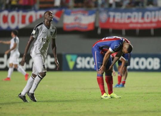 Bahia decepciona no fim, leva virada do Ceará e perde chance de voltar ao G-6 | Adilton Venegeroles | Ag. A TARDE