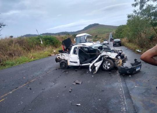 Colisão envolvendo carro e caminhão deixa três pessoas feridas | Reprodção | Itororó Já