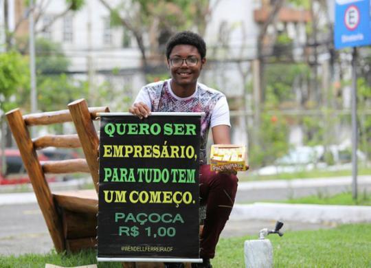 Conheça o adolescente que vende paçoca para realizar sonho de ser empresário | Joá Souza | Ag A TARDE