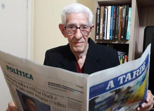 Conheça a história dos leitores mais antigos do A TARDE   Thaís Seixas   A TARDE