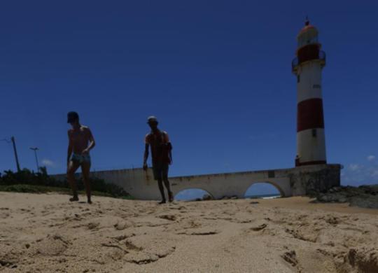 Litoral baiano tem 19 praias impróprias para banho neste fim de semana | Rafael Martins | Ag: A TARDE