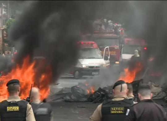 Avião de pequeno porte cai em bairro de Belo Horizonte | Reprodução | TV Globo