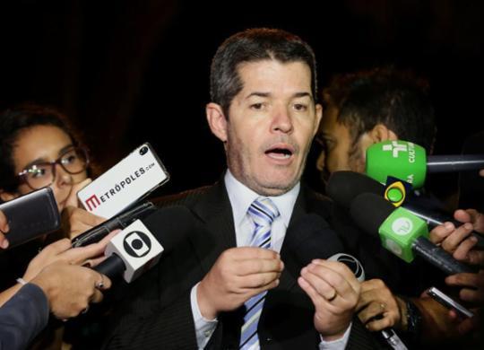 Líder do PSL chama Bolsonaro de 'vagabundo' e diz que vai 'implodir o presidente'   Cleia Viana   Câmara dos Deputados   11.3.2019