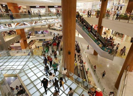 Confira o que abre e o que fecha em Salvador no Dia dos Comerciários | Adilton Venegeroles | Ag. A TARDE