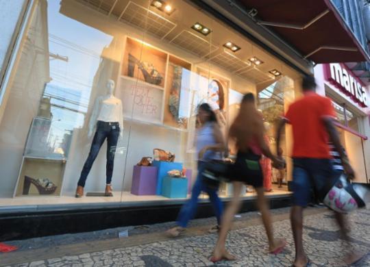 Justiça do Trabalho determina fechamento de lojas em Salvador no feriado | Joá Souza | Ag. A TARDE | 28.9.2015