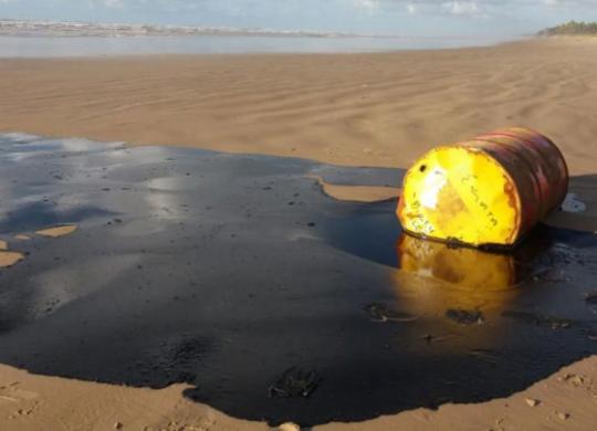 Marinha diz que governo vai cobrir custos para limpar óleo da costa nordestina | Marcos Rodrigues | GOVSE