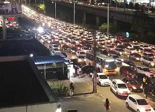 Carreata de movimento grevista deixa trânsito complicado em Salvador | Reprodução