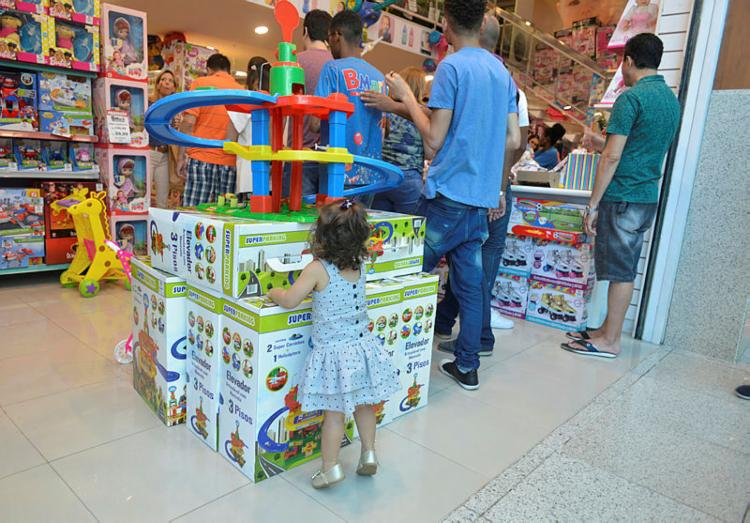 Algumas lojas e shoppings estarão abertos - Foto: Shirley Stolze | Ag A TARDE