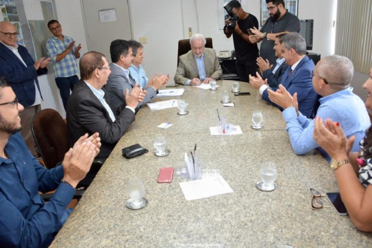 Assinatura do edital de licitação ocorreu nesta segunda no Seinfra - Foto: Ulgo Oliveira | Seinfra
