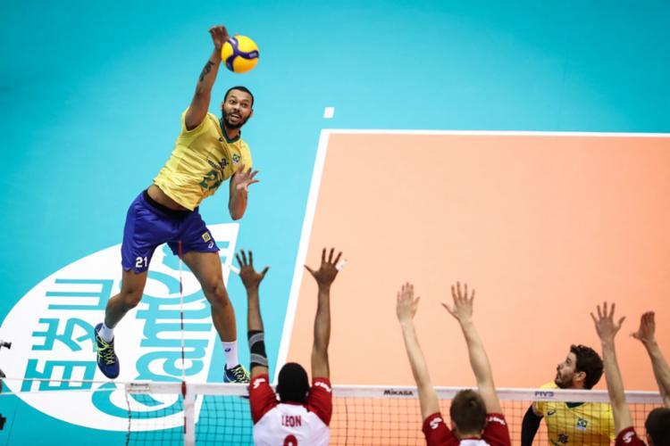 Jogador de 26 anos foi o destaque da campanha da seleção na conquista do torneio - Foto: Divulgação | FIVB